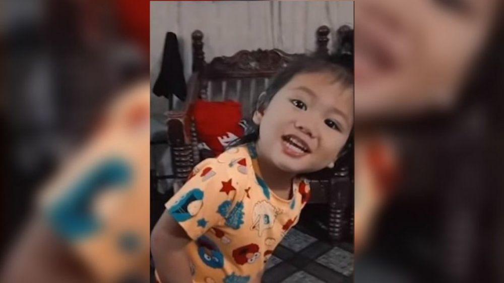 Un nene de dos años murió electrocutado por meter una cuchara en un enchufe