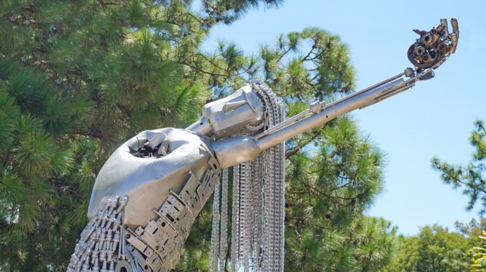 Reinauguran monumento en memoria de víctimas de femicidios