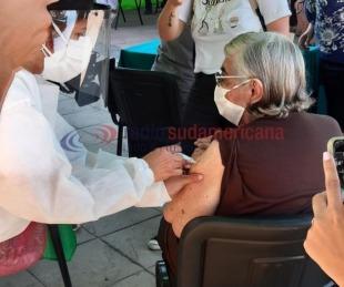 foto: Segundo día de vacunación a las personas mayores de 65 años
