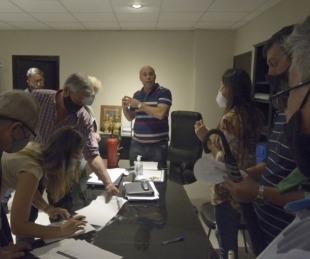 foto: La gestión de Ascua paga sueldos con 30% de aumento para municipales
