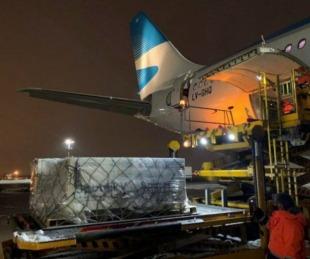 foto: Llegó el avión de Aerolíneas Argentinas que trajo más de 900 mil dosis