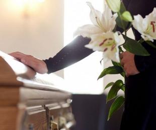 foto: Raquel y Marta: dos amores, dos avisos fúnebres y una despedida viral