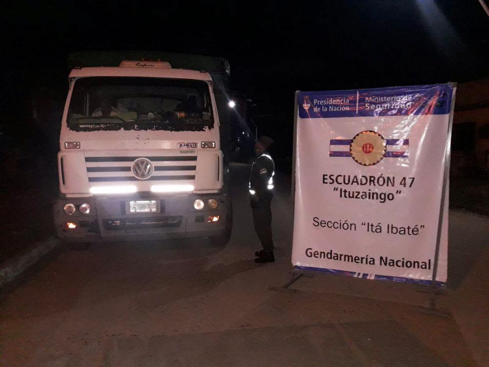 Camionero llevaba 30.000 kilos de soja con documentación falsa