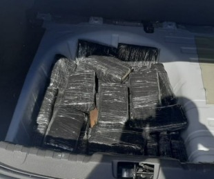 foto: Llevaban 30 kilos de marihuana en el hueco de la rueda de auxilio