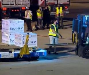 foto: Llegó el avión con 517.500 dosis de la vacuna Sputnik V