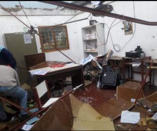 foto: Temporal causó voladura de techos y graves daños a una escuela