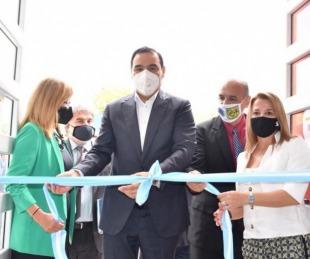 foto: Valdés inauguró refacciones de una escuala y un jardin en Ituzaingó