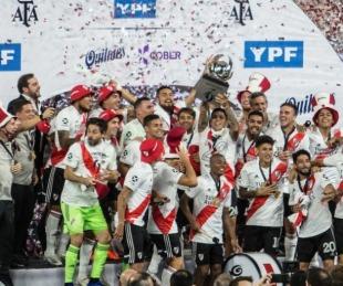 foto: River goleó a Racing y es campeón de la Supercopa Argentina