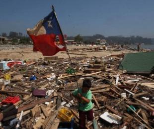 foto: Ordenan evacuar a pobladores por alerta de tsunami en Chile