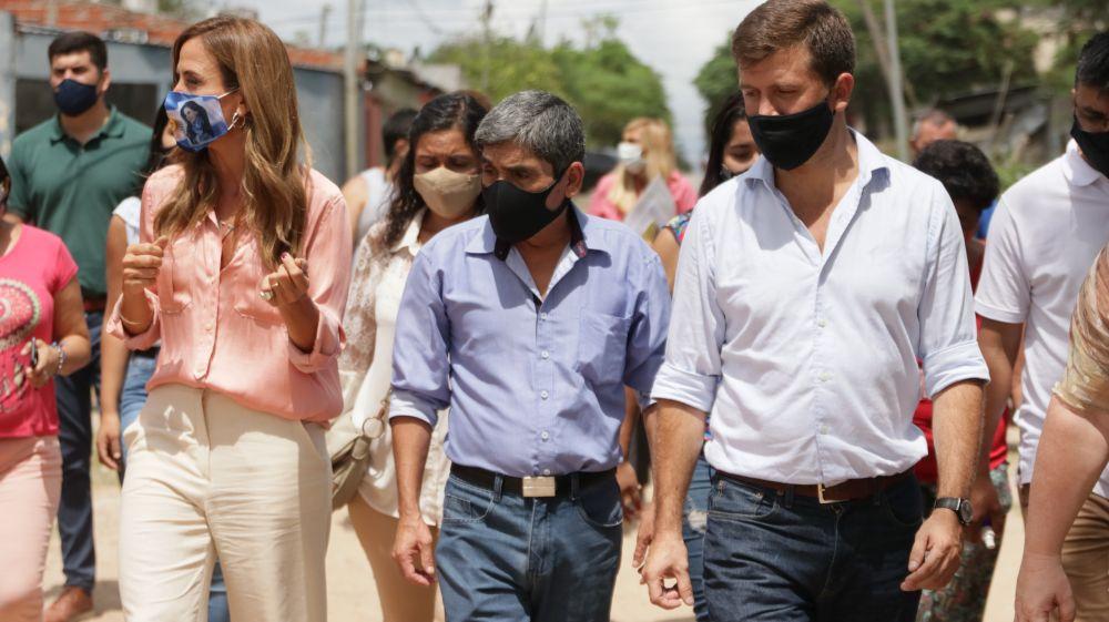 Victoria Tolosa Paz recorrió el barrio Seminario