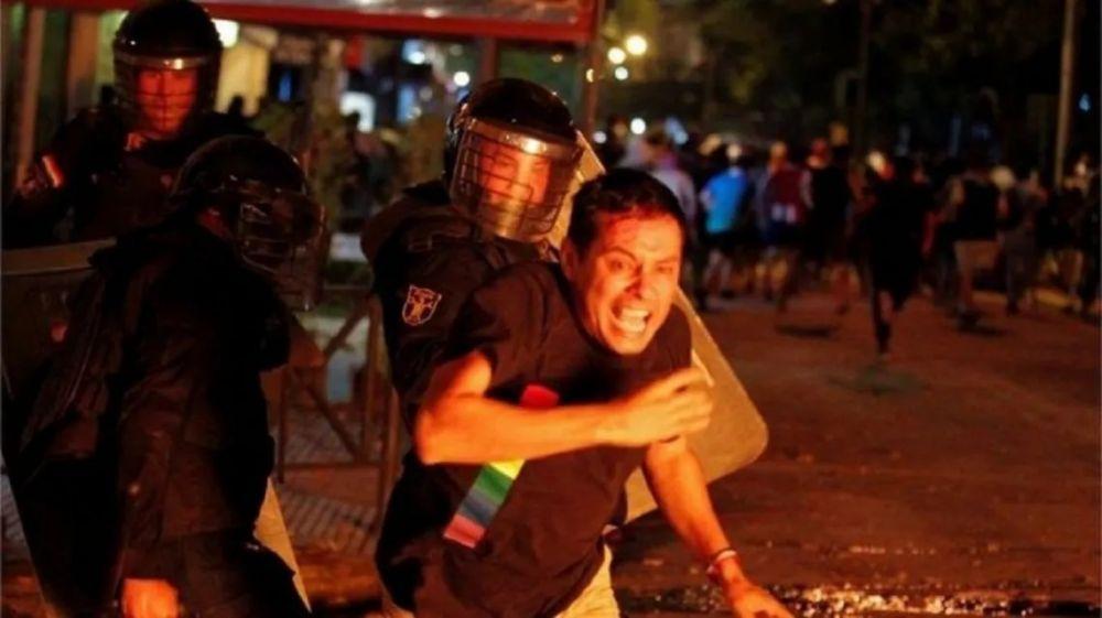 Paraguay: represión en una protesta contra el manejo de la pandemia