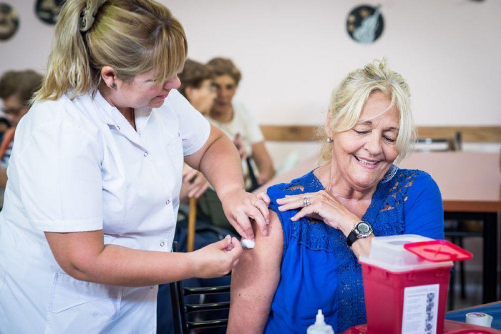 COVID 19: Habilitaron más turnos para mayores de 65 y docentes