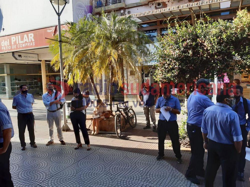 Garbarino: gran incertidumbre de empleados tras cierre de la sucursal