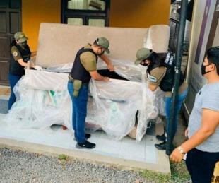foto: Usaron un camión para llevar sillones con 62 kilos de marihuana