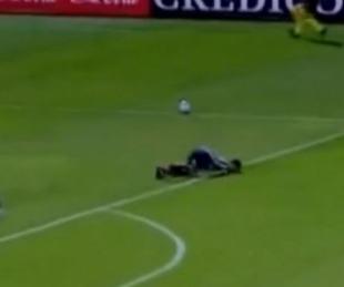 foto: Gran susto: jugador de Villa Mitre quedó inconsciente tras un golpe