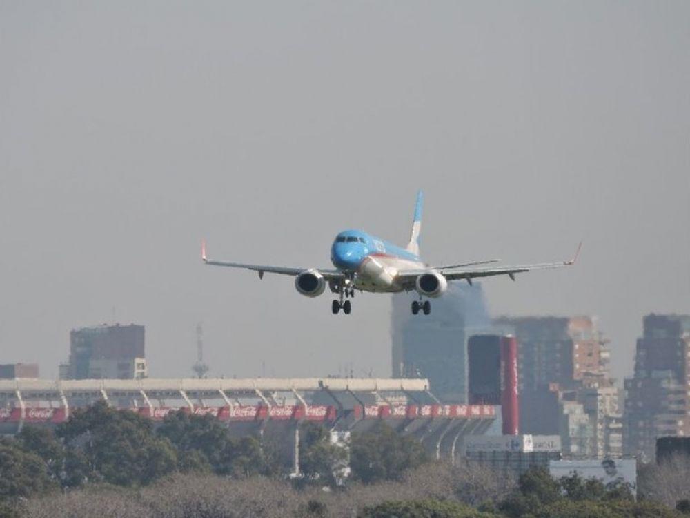 El Gobierno nacional restringirá los vuelos a ocho paìses