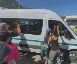 foto: Videos: así lo recibieron a Alberto Fernández en su visita a Chubut