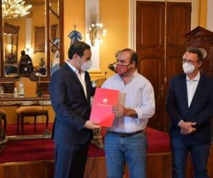 foto: Valdés ratificó la construcción del Centro de Alto de Rendimiento