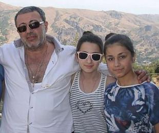 foto: Mataron a puñaladas a su padre tras años de torturas y violaciones