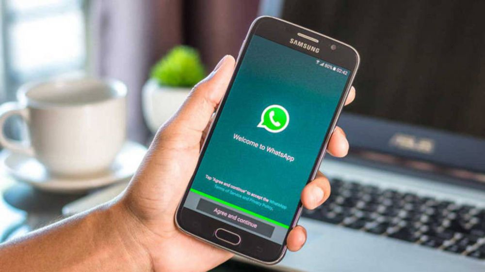 Un regalo misterioso: la nueva estafa de WhatsApp que es viral