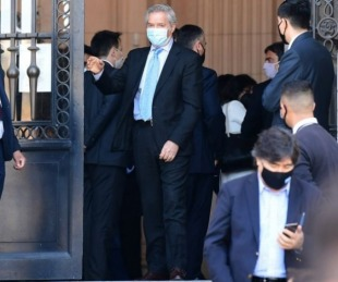 foto: Funcionarios que estuvieron con el Presidente en las últimas 48 horas