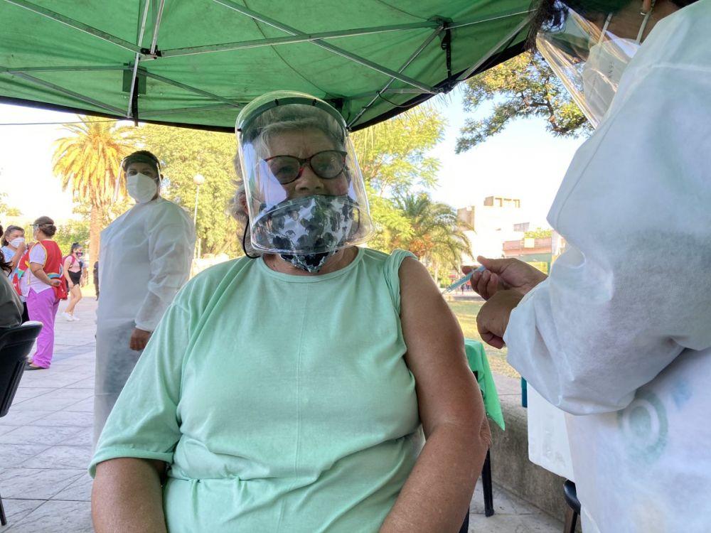 Vacunación: reabrieron inscripción para mayores de 65 de Capital