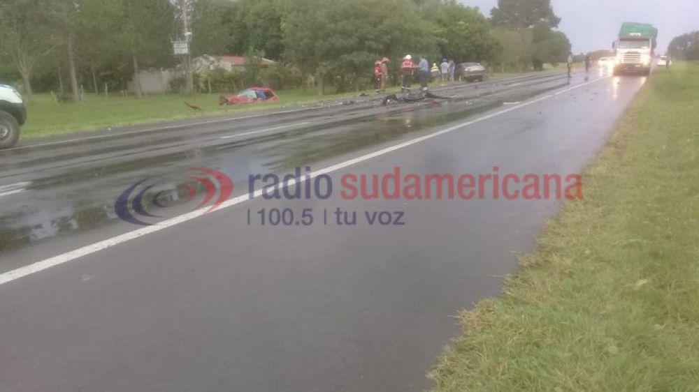 Un hombre murió tras un fuerte choque entre dos autos en Ruta 12