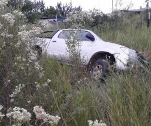 foto: Le robaron su camioneta y luego la encontró abandonada en una zanja