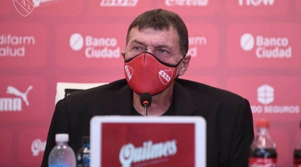 El entrenador de Independiente Julio César Falcioni tiene coronavirus