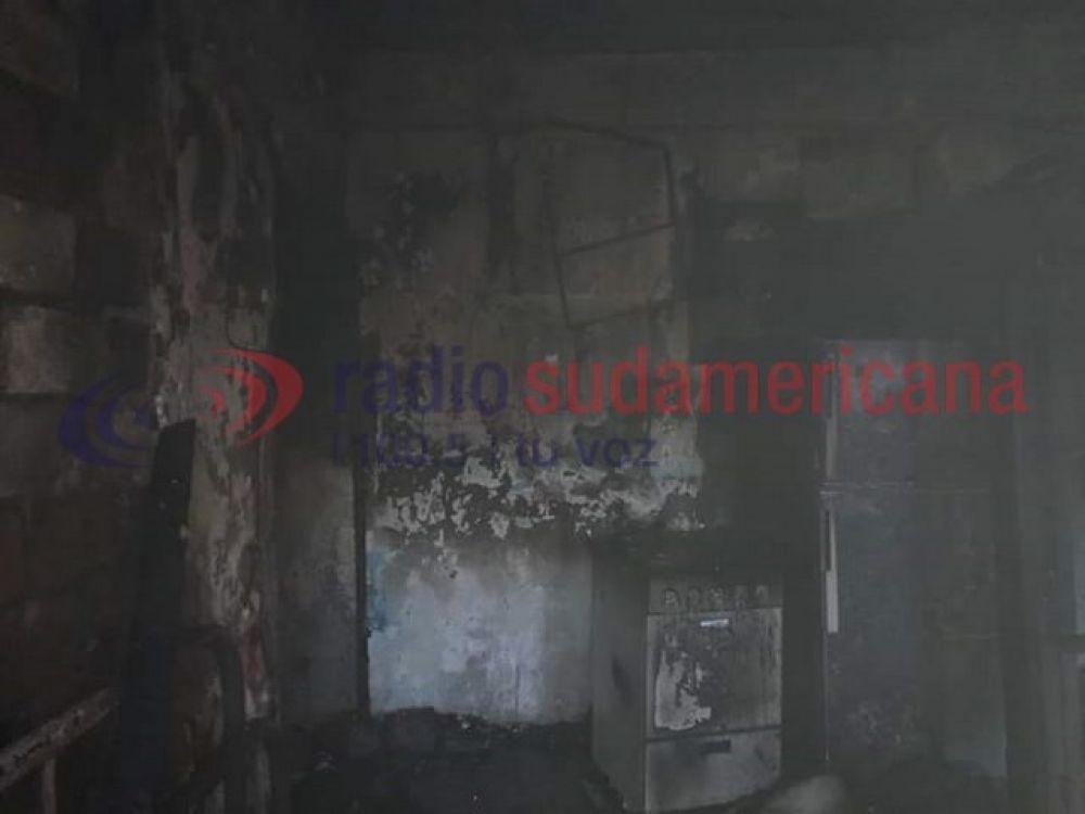 Una vivienda quedó totalmente en ruinas tras un tremendo incendio