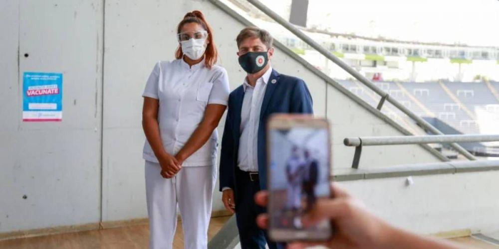Cancelaron la fecha de vacunaci贸n por un partido de f煤tbol