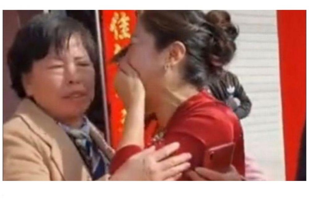 Descubrió en el día de la boda de su hijo que la novia era su hija perdida