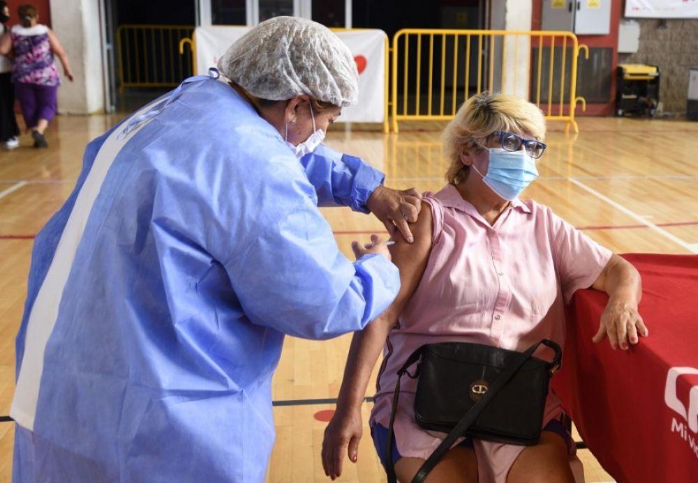 Argentina superó los 4 millones de vacunados con la primera dosis