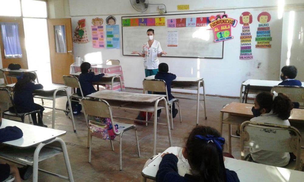 Salud continúa con la prevención de Covid-19 en las escuelas