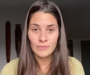 foto: Ivana Nadal indignada porque tuvo que hisoparse para viajar