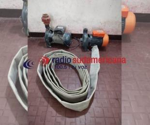 foto: Hallan bombas de agua y una manguera robadas en una escuela