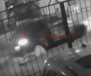 foto: Video: Desde un auto, tres hombres armados intentaron secuestrarla