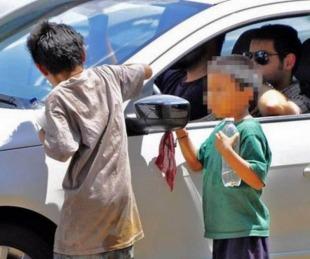 foto: Mendoza: Ebrios ofrecían caramelos para subir a niños a su auto