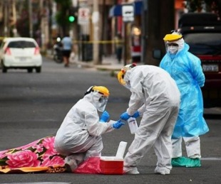 foto: Un hombre de descompensó y murió en la vía pública