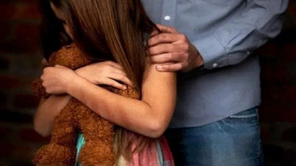Chaco: detuvieron a un policía por abusar de la hija de su pareja