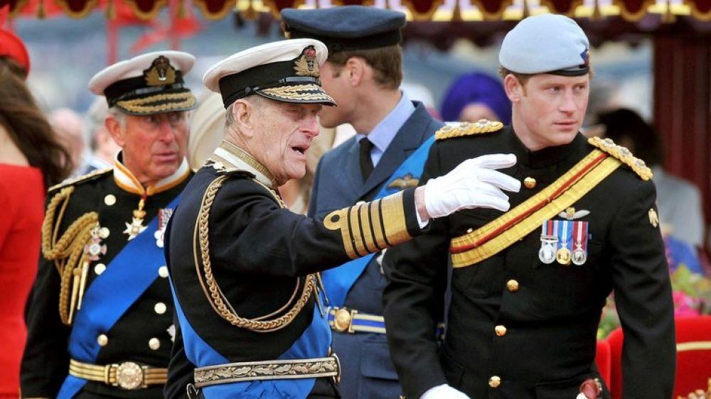Isabel II rompe una vieja tradición para evitar la humillación pública