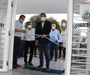 foto: Valdés inauguró obras en el hospital de Carlos Pellegrini