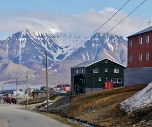 foto: Longyearbyen, el pueblo noruego donde está prohibido morirse
