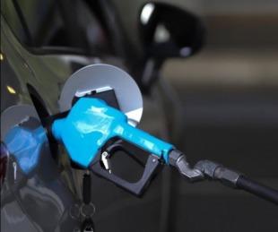 foto: Desde este sábado aumentarán los precios de los combustibles