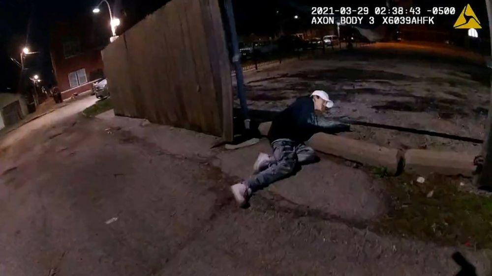 Difunden video de un policía que mató a un adolescente de 13 años