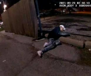 foto: Difunden video de un policía que mató a un adolescente de 13 años
