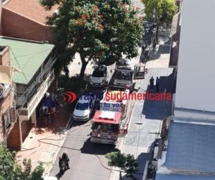 foto: Bomberos debieron sofocar un incendio en departamento céntrico