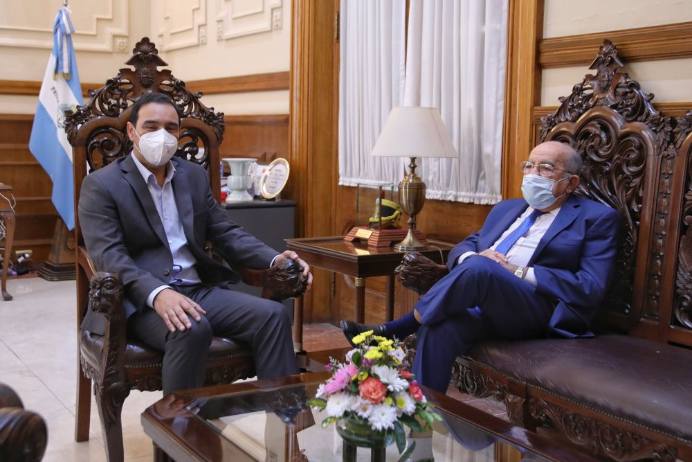 Valdés recibió al ex gobernador José Antonio Romero Feris