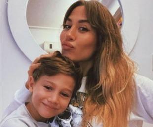 foto: Jimena Barón sorprendió al mostrar a su hijo Momo repleto de aritos