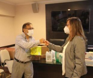 foto: Cardozo entregó insumos a los 17 Caps y a 8 hospitales del interior